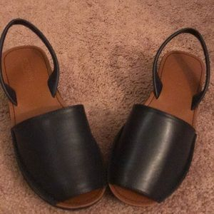 Brand new never worn open toe sandals
